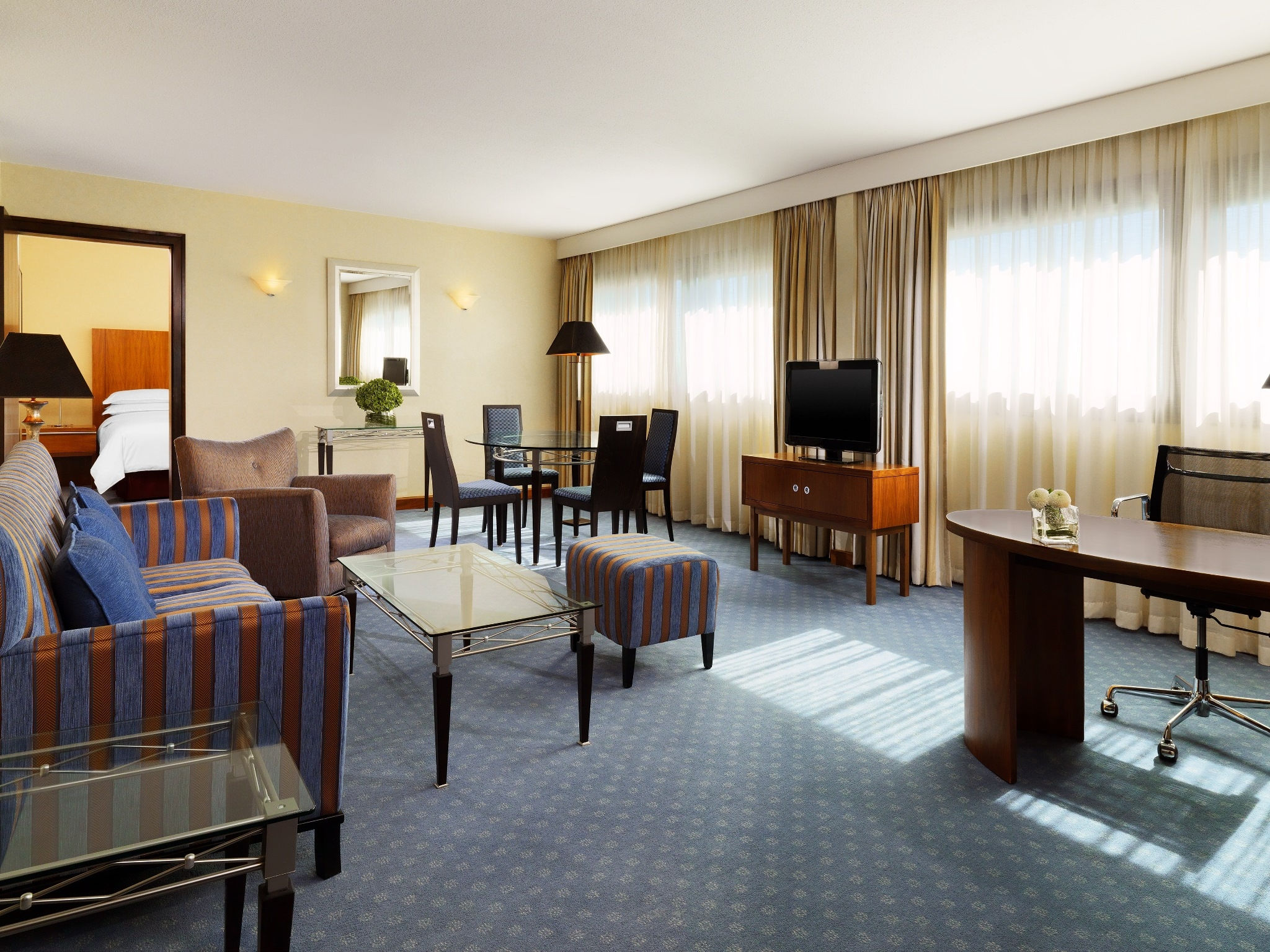 Junior Suite - Sheraton Frankfurt Airport Hotel & Conference Center